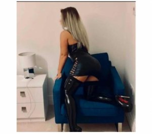 Marie-dolores escort couple à Bully-les-Mines, 62
