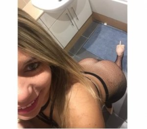 Ouleymatou escort couple à Chevreuse