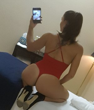 Housna escorts girl à Lucé, 28
